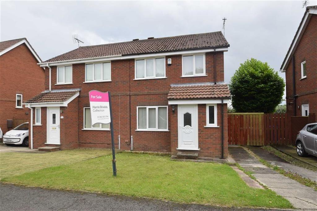 3 Bedrooms Semi Detached House for sale in Airedale Drive, Bridlington, East Yorkshire, YO16