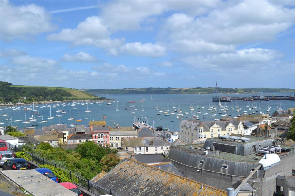 2 Bedrooms Apartment Flat for sale in Erisey Terrace, Falmouth