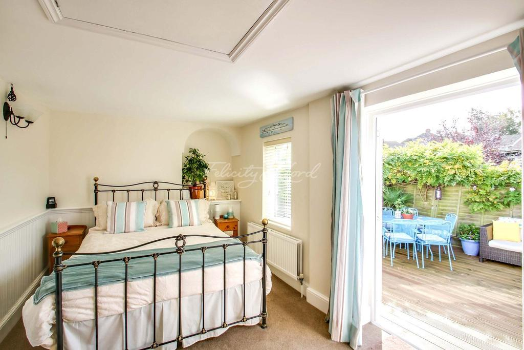 3 Bedrooms Detached House for sale in The Coach House, Occupation Lane, SE18