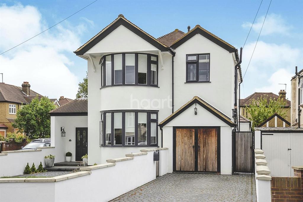 4 Bedrooms Detached House for sale in Ruskin Drive, Worcester Park, KT4