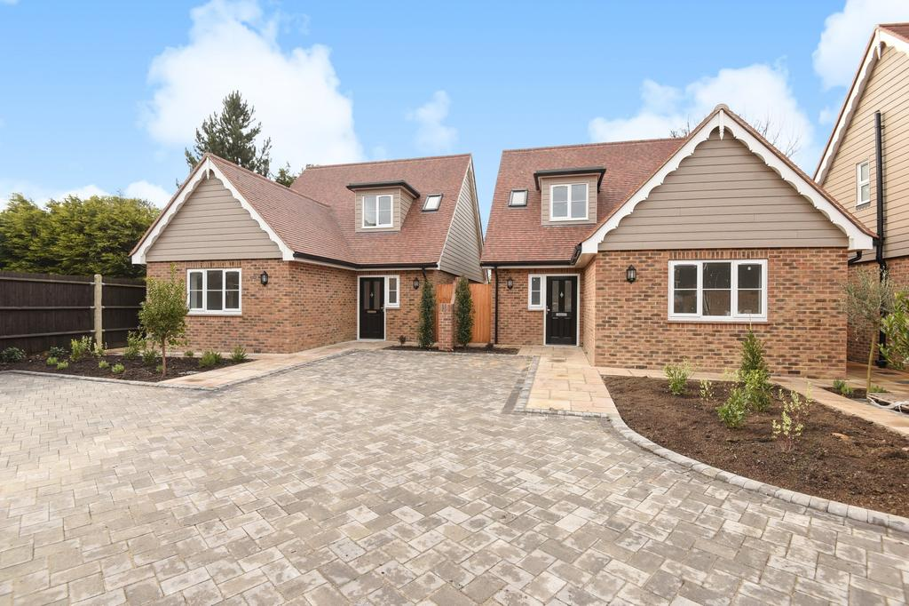 3 Bedrooms Detached House for sale in Victoria Drive, West Bognor Regis, PO21