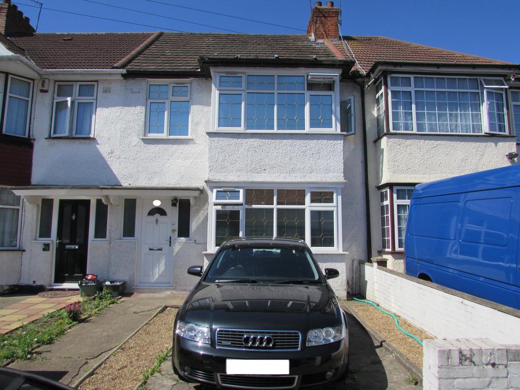 3 Bedrooms Terraced House for sale in Woodside Avenue, Wembley HA0
