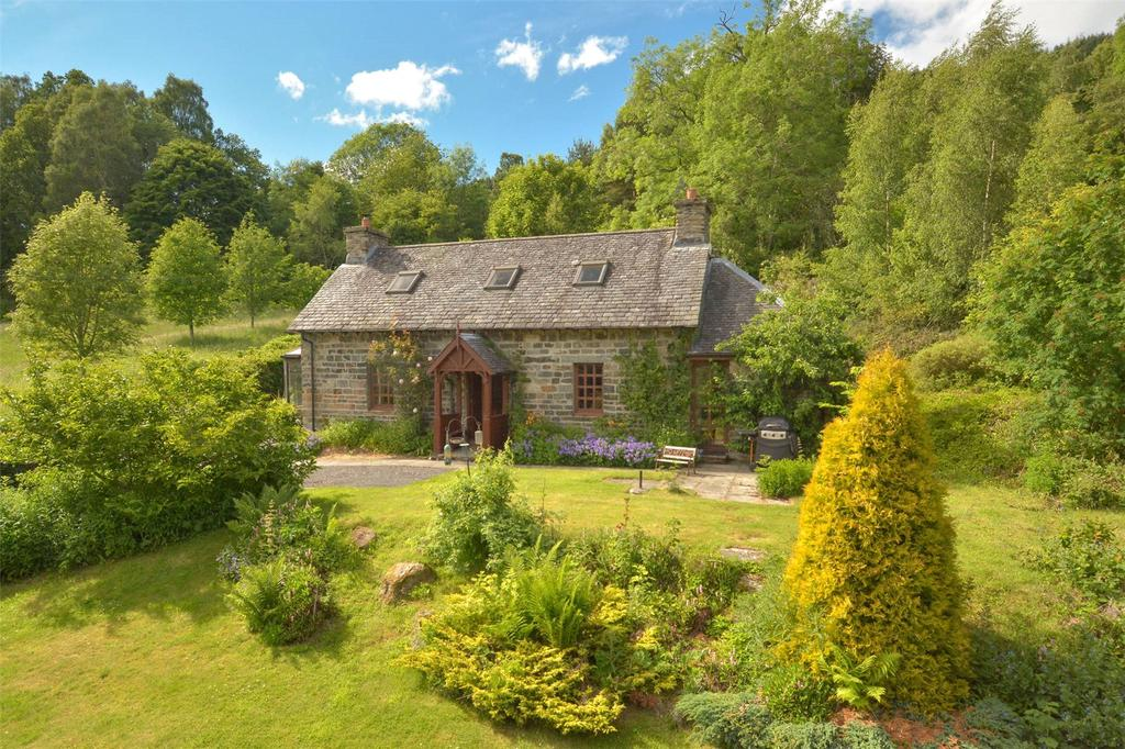 3 Bedrooms Detached House for sale in Wester Chapelton, Killiechassie, Aberfeldy, Perthshire, PH15