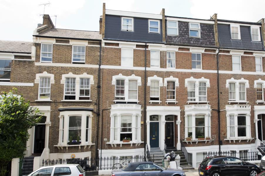 2 Bedrooms Flat for sale in Fielding Road, Brook Green W14