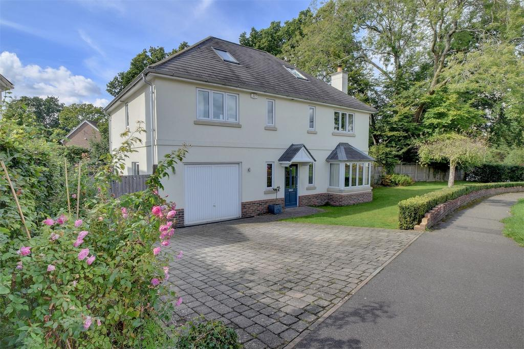 5 Bedrooms Detached House for sale in Heathfield Road, PETERSFIELD, Hampshire