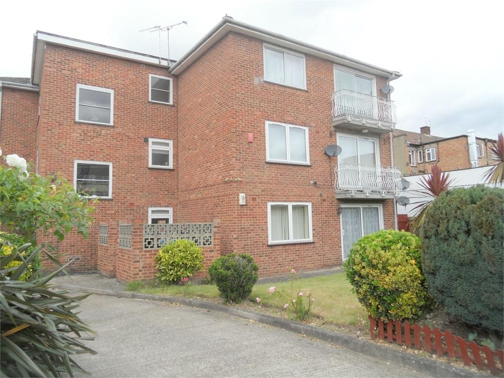 1 Bedroom Flat for sale in Weathersfield Court, 35 Court Yard, Eltham, London