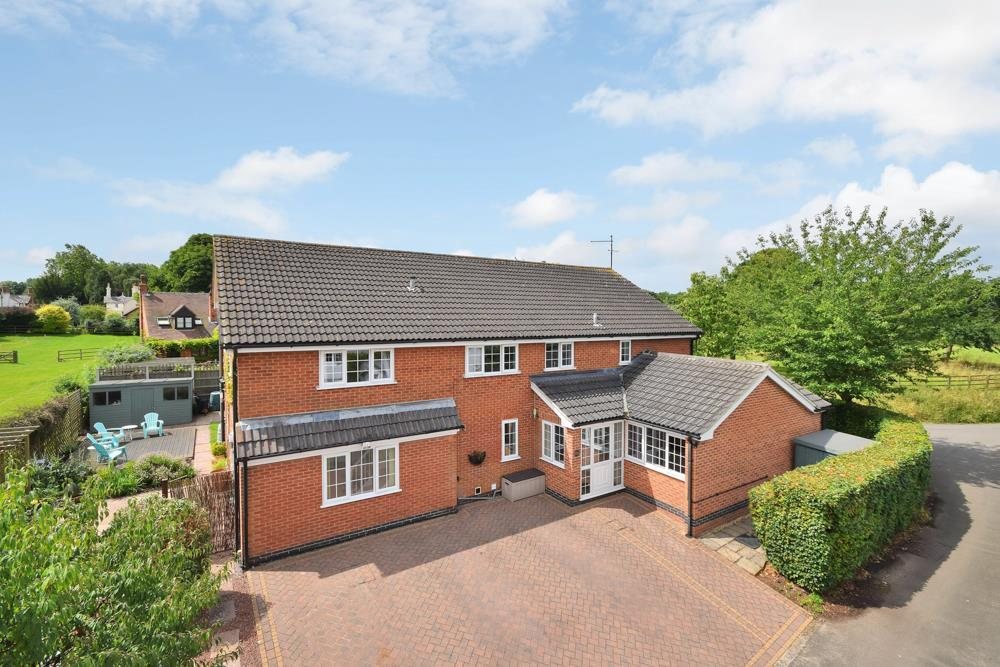 5 Bedrooms Detached House for sale in Sunbeam Street, Whatton