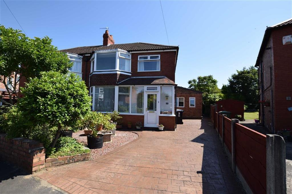 3 Bedrooms Semi Detached House for sale in Hodgson Drive, Timperley, Cheshire, WA15