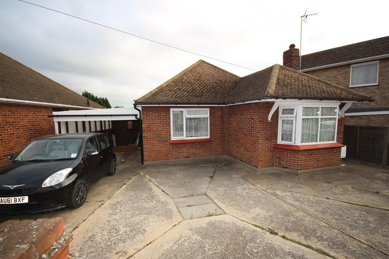 3 Bedrooms Detached Bungalow for sale in St. Osyth Road, Clacton-On-Sea