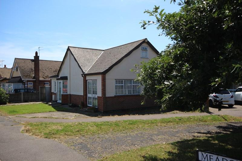 1 Bedroom Detached Bungalow for sale in Meadow Way, Jaywick, Clacton-On-Sea