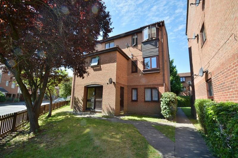 1 Bedroom Apartment Flat for sale in Shepherds Spring Lane, Andover