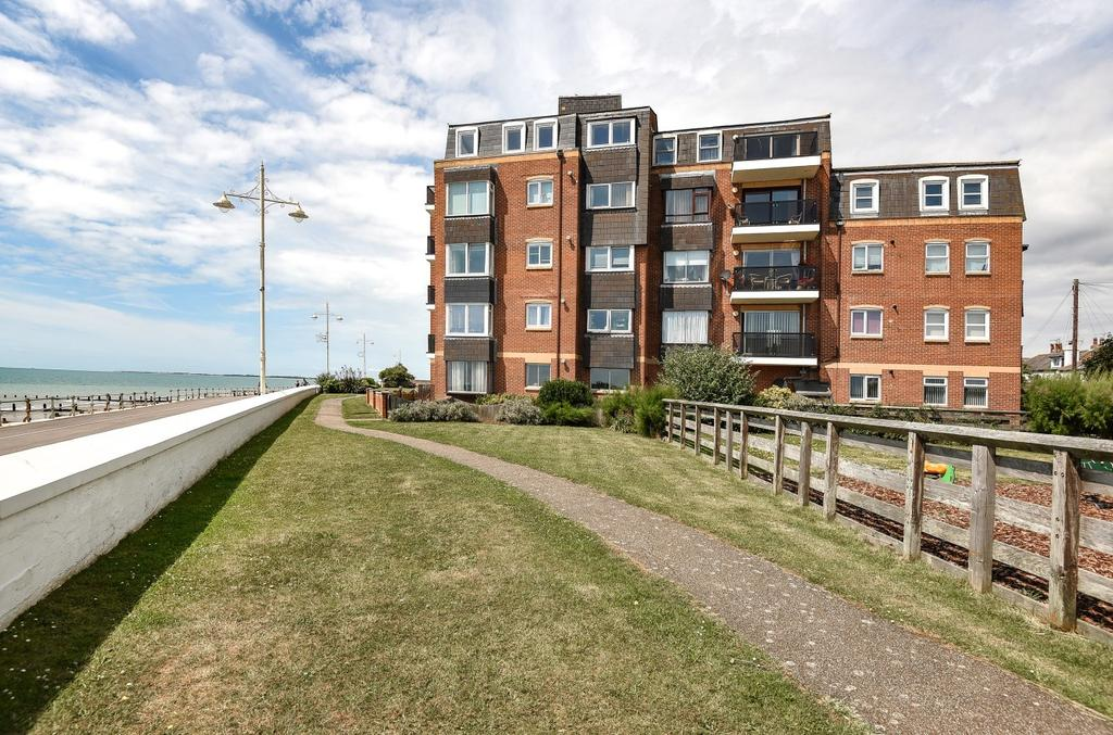 2 Bedrooms Flat for sale in Rock Gardens, Bognor Regis, PO21