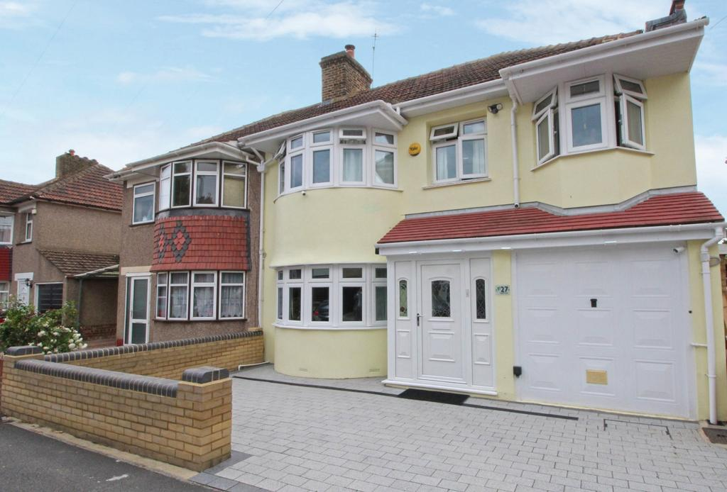 5 Bedrooms Semi Detached House for sale in Saltash Road Welling DA16