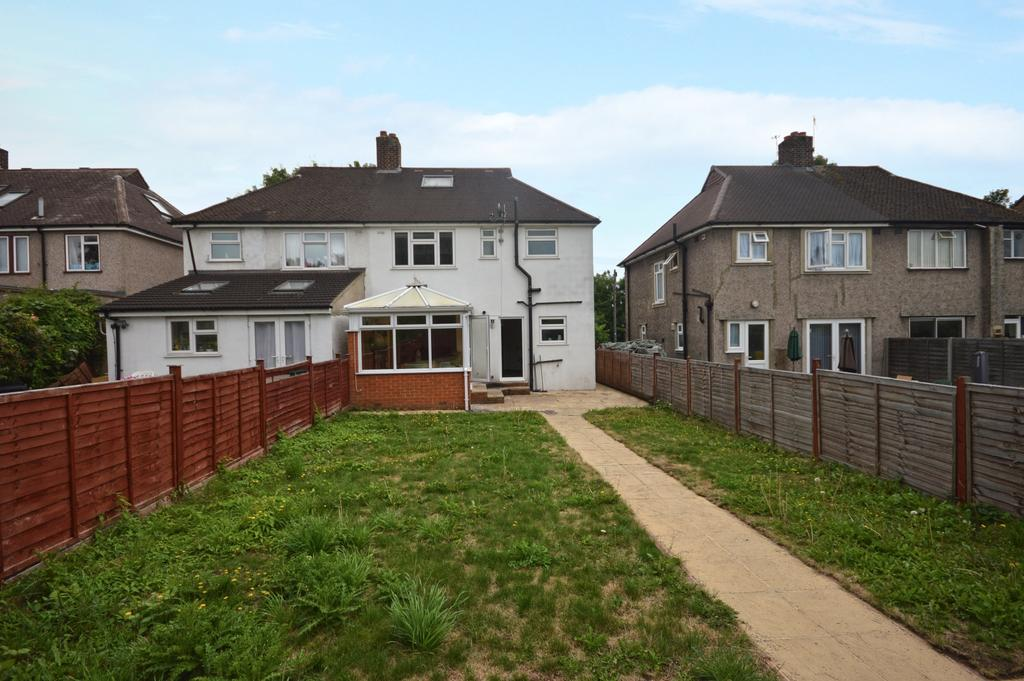 3 Bedrooms Semi Detached House for sale in Beachborough Road Bromley BR1