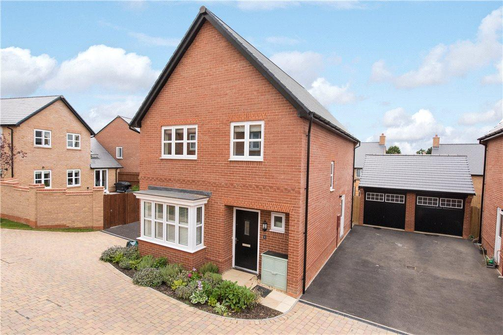 4 Bedrooms Detached House for sale in Millground Field, Winslow, Buckinghamshire