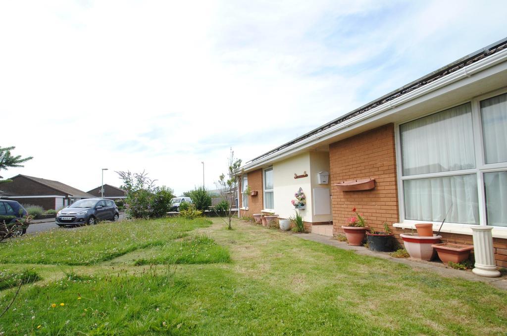 3 Bedrooms Bungalow for sale in The Fairway, Braunton