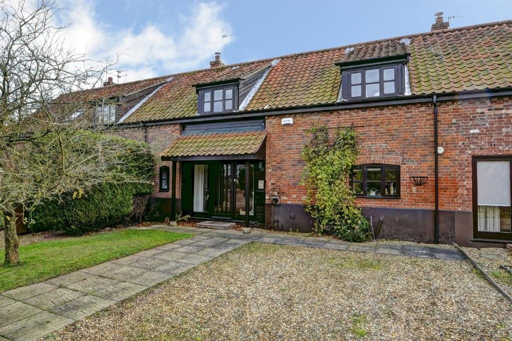 3 Bedrooms Cottage House for sale in Brooke, Norwich