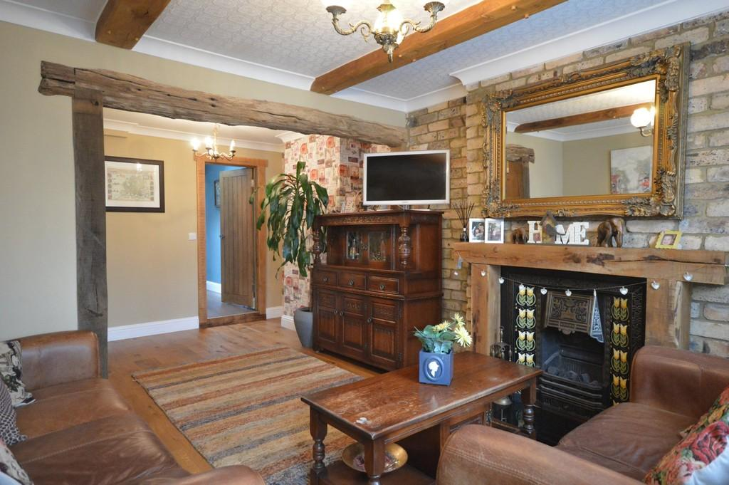 2 Bedrooms Terraced House for sale in Wootton Road, Kings Lynn