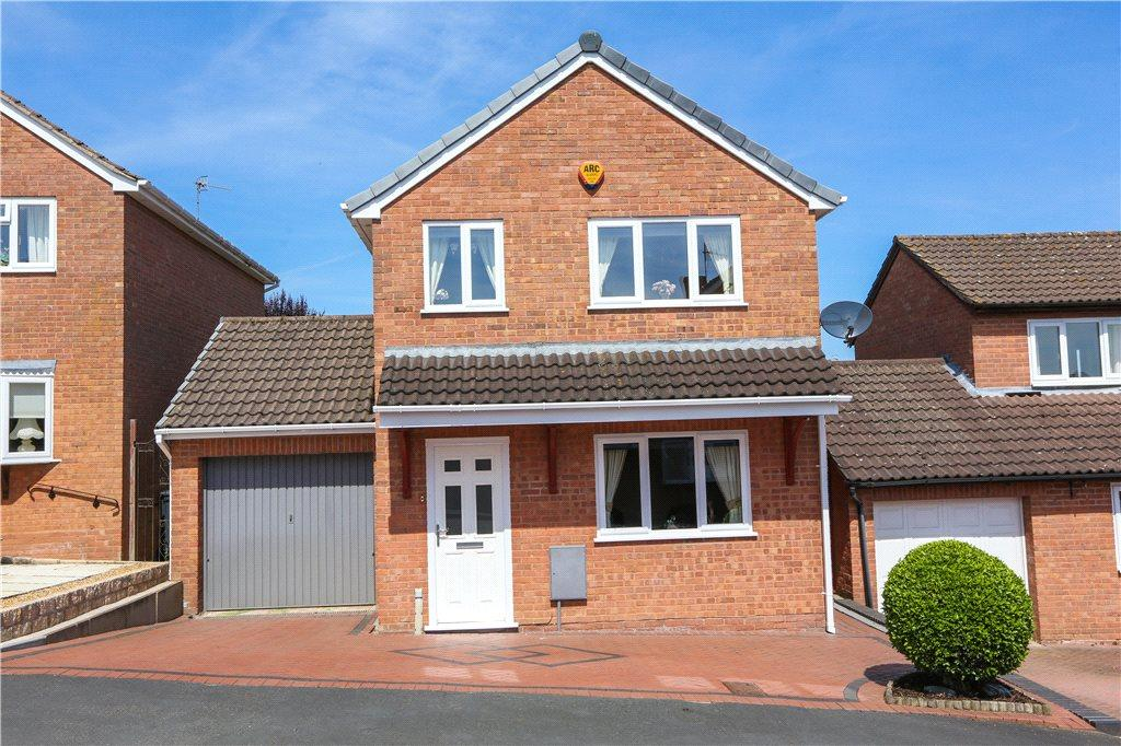 3 Bedrooms Detached House for sale in Tollhouse Road, Stoke Heath, Bromsgrove, Worcestershire, B60