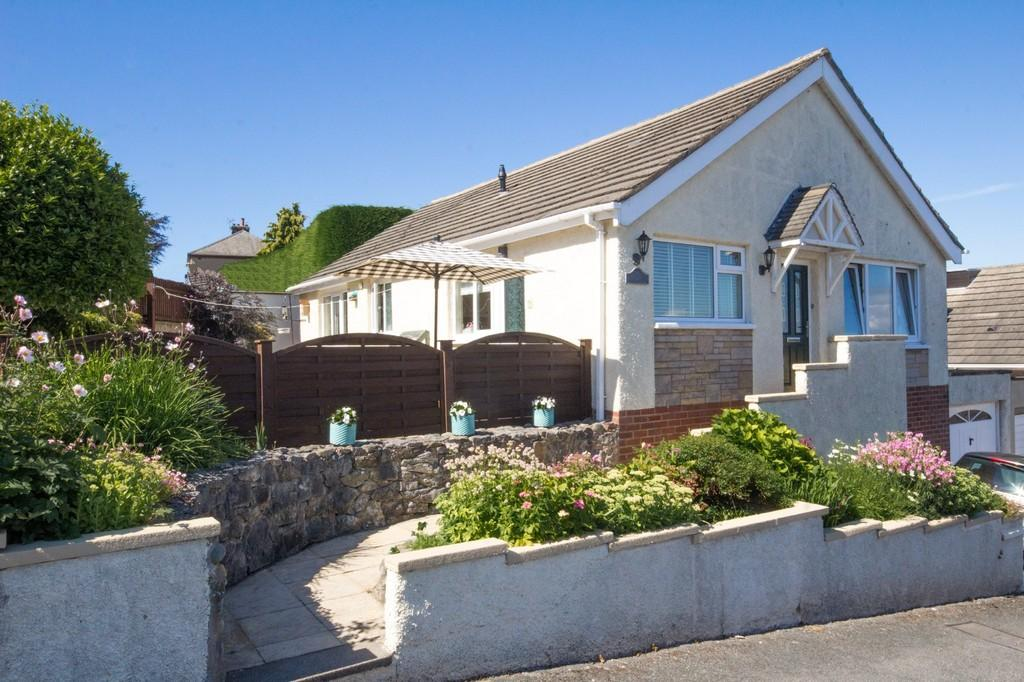 2 Bedrooms Detached Bungalow for sale in Baldwin Avenue, Dalton-In-Furness
