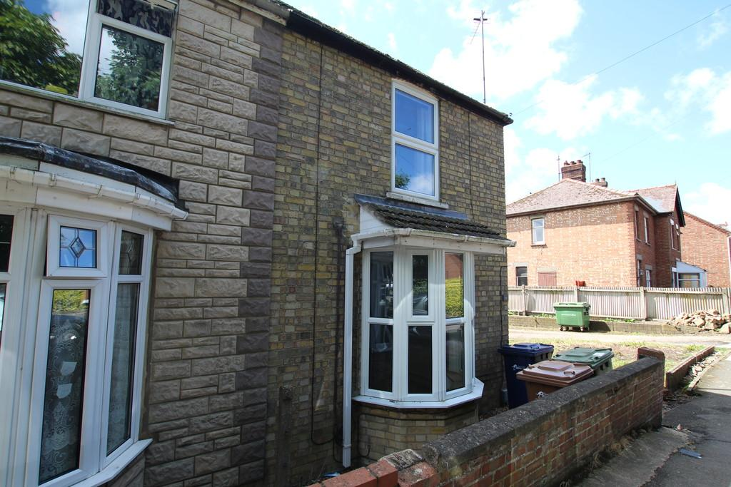 3 Bedrooms Semi Detached House for sale in Church Road, Walsoken