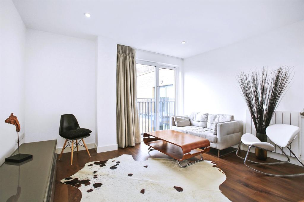 1 Bedroom Flat for sale in Dowding Drive, London, SE9