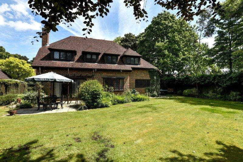 4 Bedrooms Detached House for sale in Farthing Green Lane, Stoke Poges, Slough, SL2