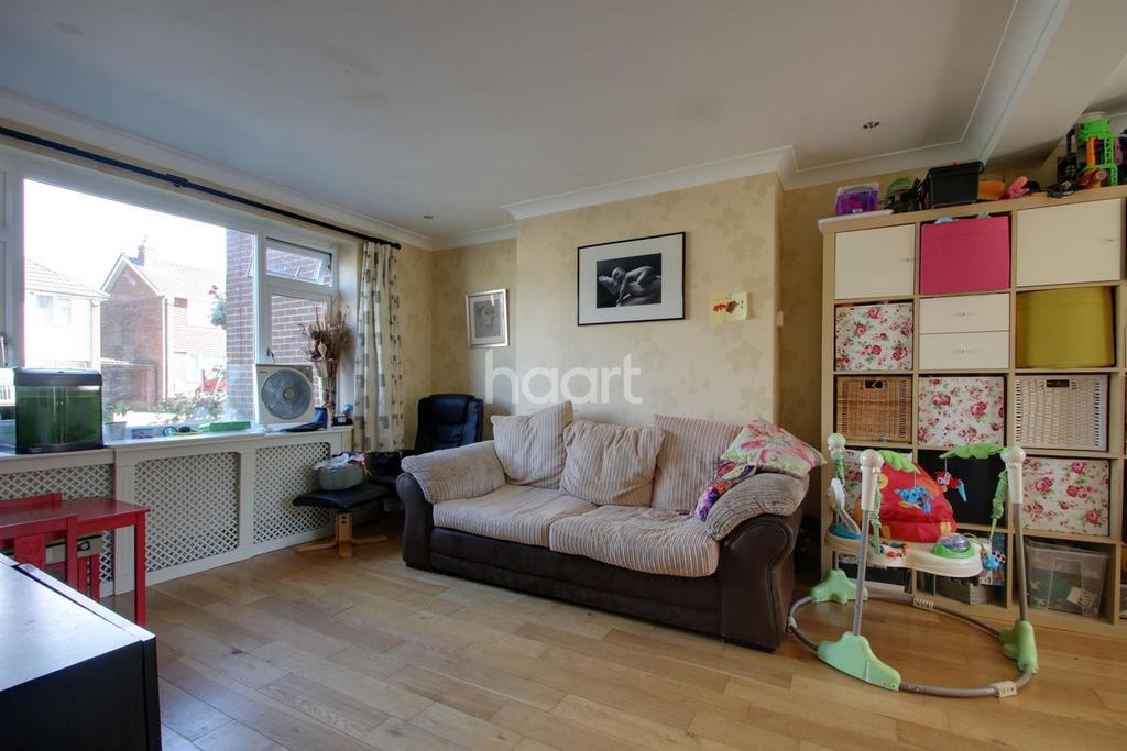 2 Bedrooms Terraced House for sale in Lodge Road, Braintree