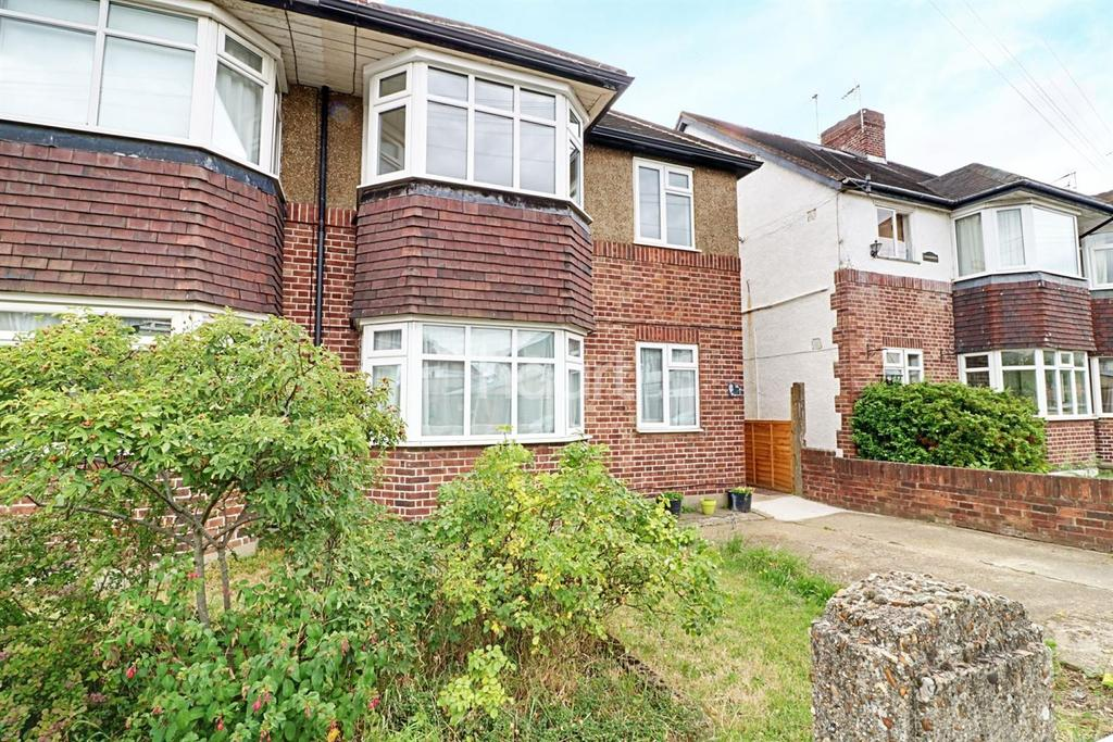 2 Bedrooms Maisonette Flat for sale in Hounslow
