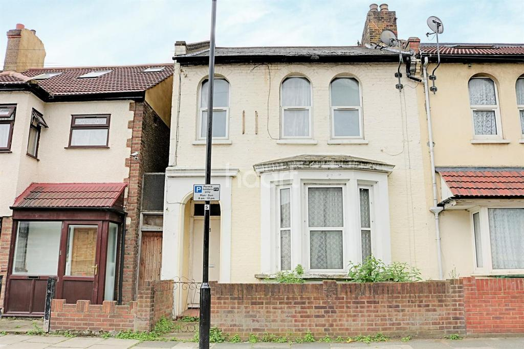 2 Bedrooms Flat for sale in St Andrew's Road, Plaistow