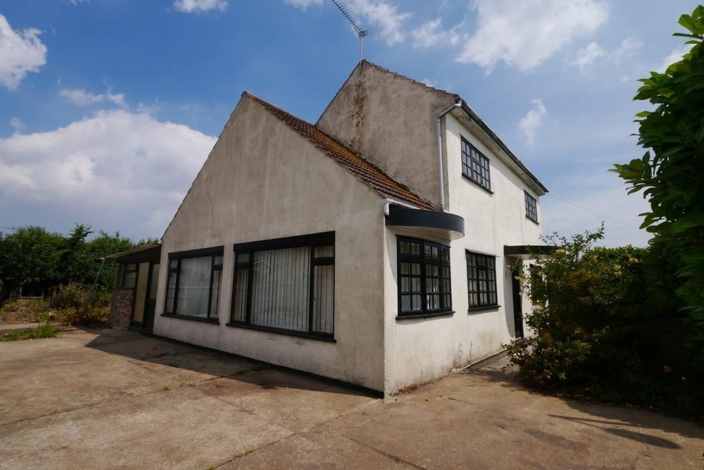 2 Bedrooms Detached House for sale in Clarkson Road, Oulton Broad, Lowestoft