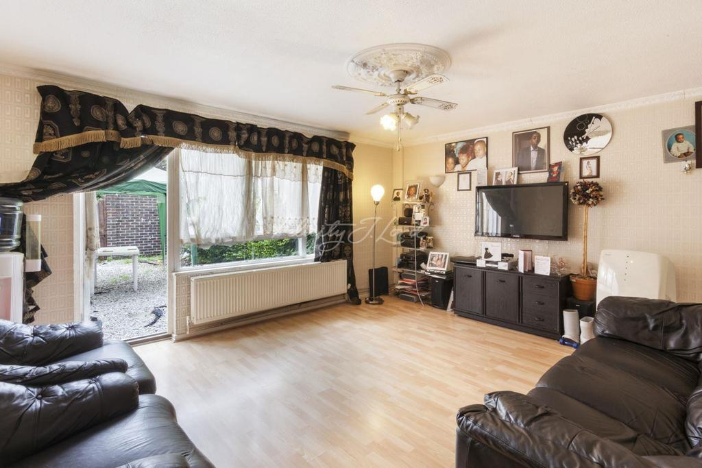3 Bedrooms Terraced House for sale in Rivington Walk, Hackney, E9