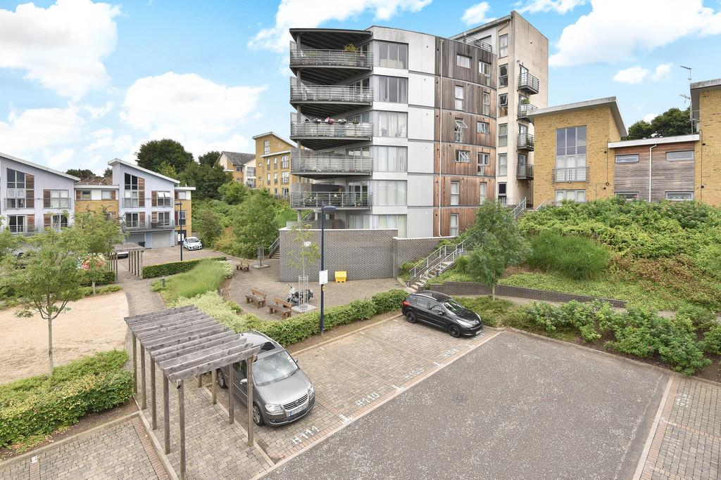 2 Bedrooms Apartment Flat for sale in Arundel Square, Maidstone