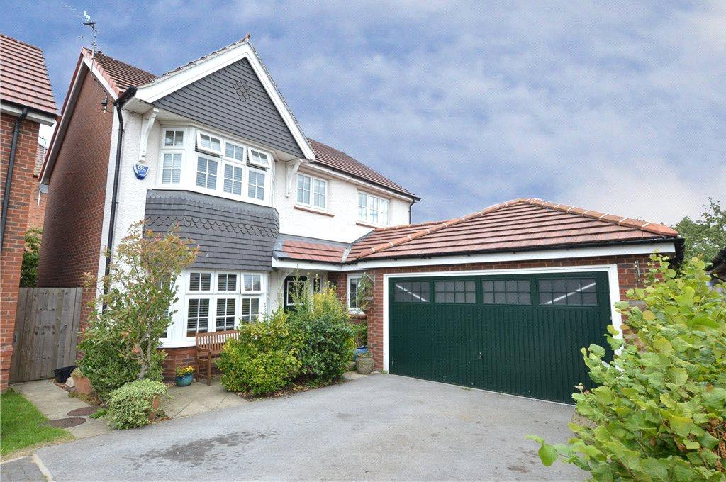 4 Bedrooms Detached House for sale in Saxon Mews, Sherburn in Elmet, Leeds