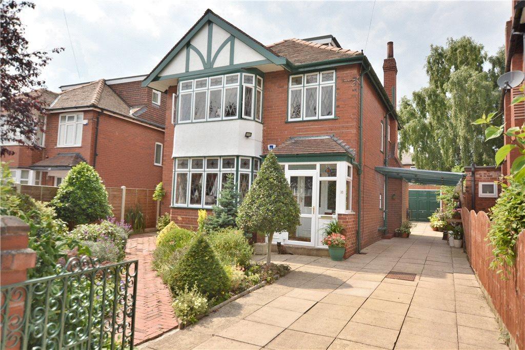 4 Bedrooms Detached House for sale in Montagu Crescent, Oakwood, Leeds