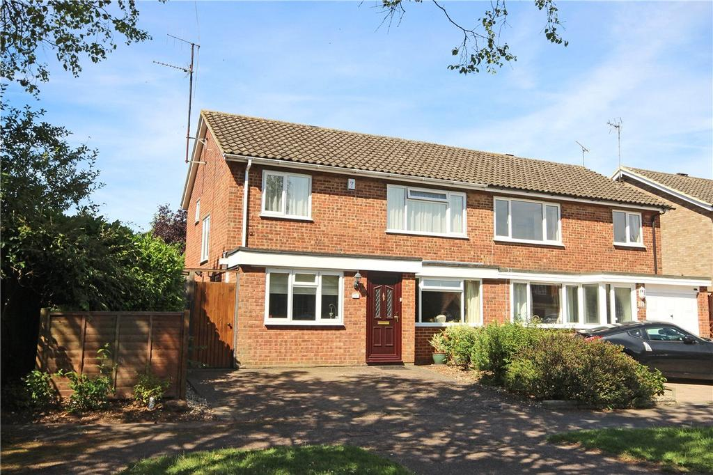 3 Bedrooms Semi Detached House for sale in Holts Meadow, Redbourn, St. Albans, Hertfordshire