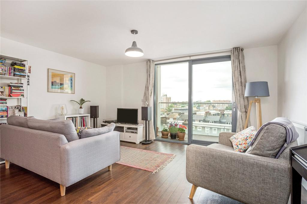 3 Bedrooms Flat for sale in Dekker House, Dalston Square, Dalston, E8