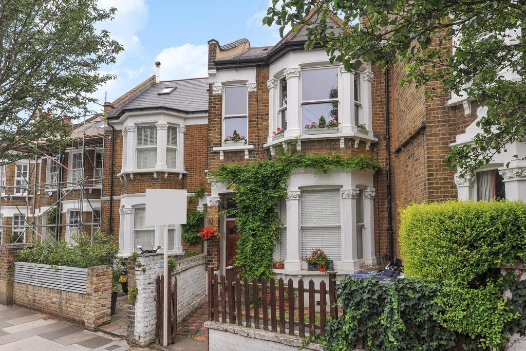 2 Bedrooms Flat for sale in Newton Avenue, Acton