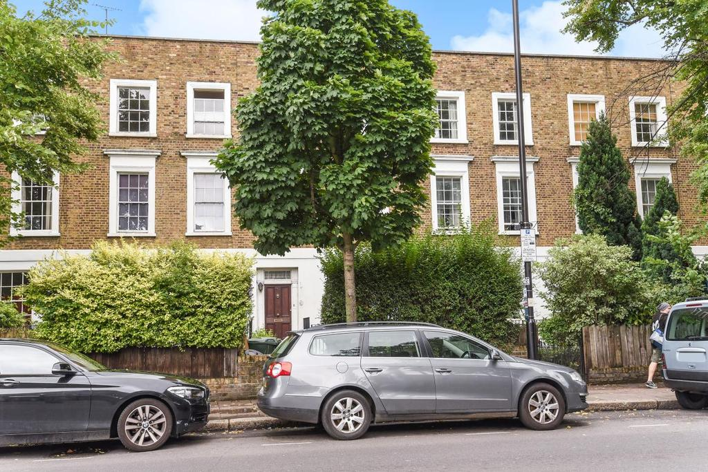 3 Bedrooms Flat for sale in Caledonian Road, Islington