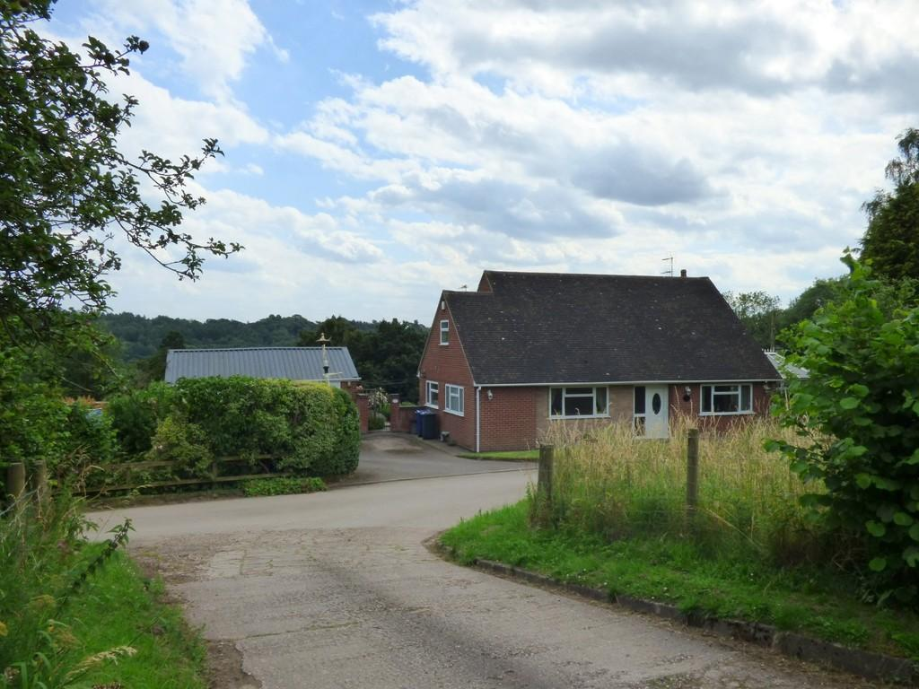 3 Bedrooms Bungalow for sale in Calwich, Ashbourne, Derbyshire