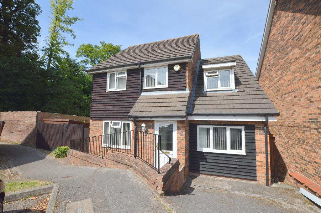 4 Bedrooms Detached House for sale in Old Orchard, South Luton, Luton, LU1 3SL