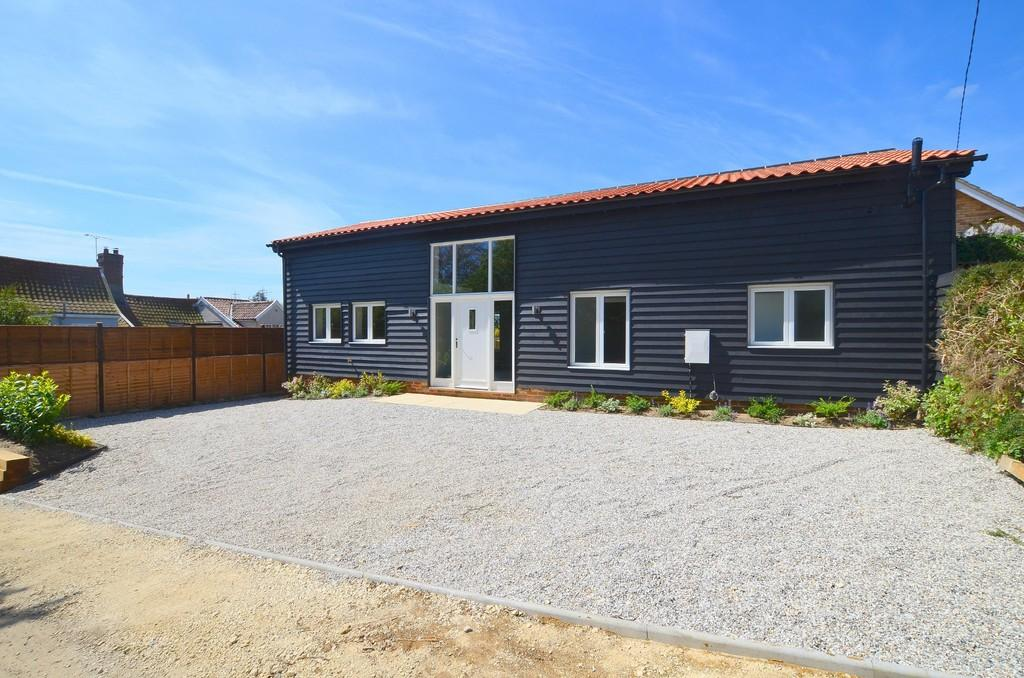 2 Bedrooms Detached Bungalow for sale in Mill Lane, Witnesham, Ipswich, Suffolk