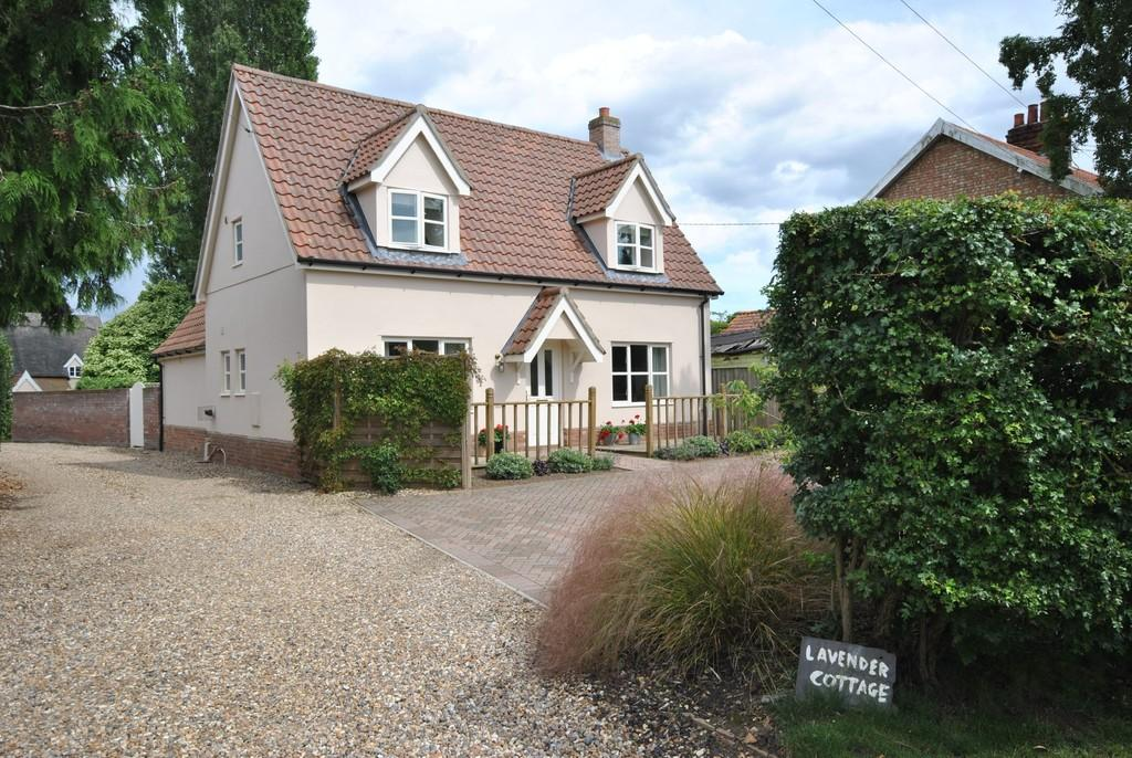 3 Bedrooms Detached House for sale in North Lopham, Norfolk