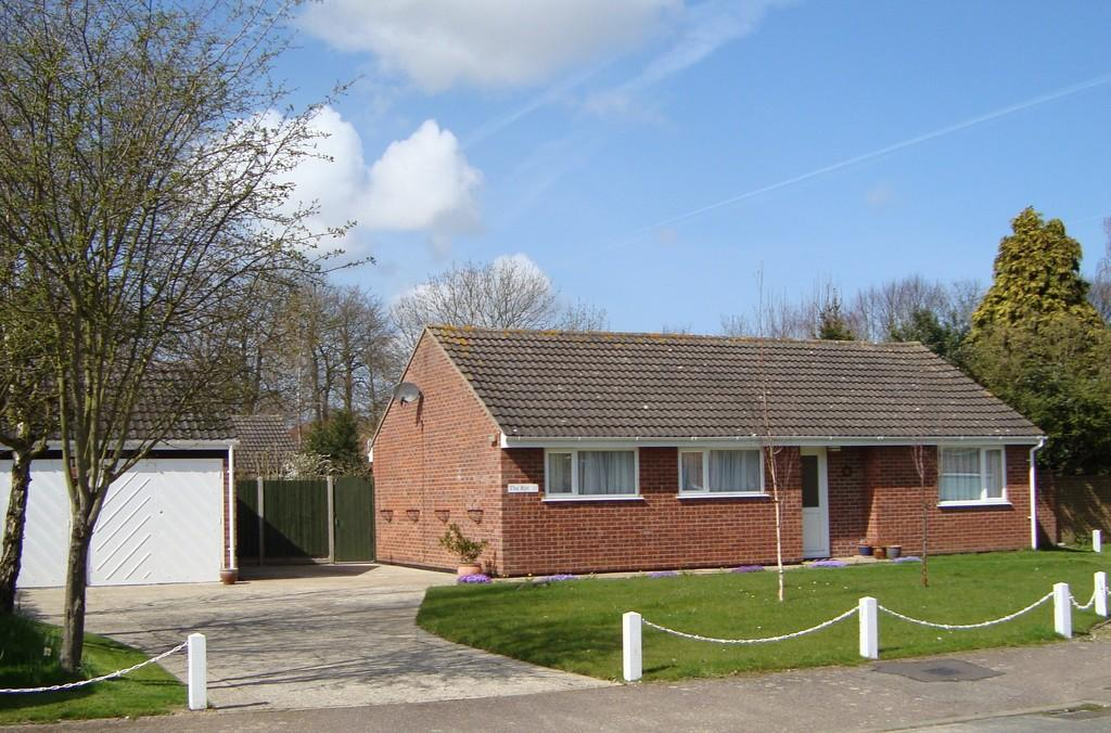 3 Bedrooms Detached Bungalow for sale in Rye Close, North Walsham