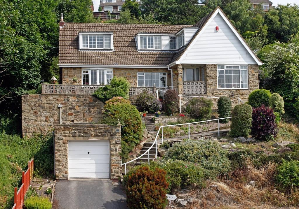 3 Bedrooms Detached House for sale in Whitley Road, Dewsbury