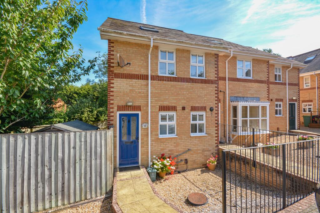 3 Bedrooms End Of Terrace House for sale in Orchard Place, Cowes