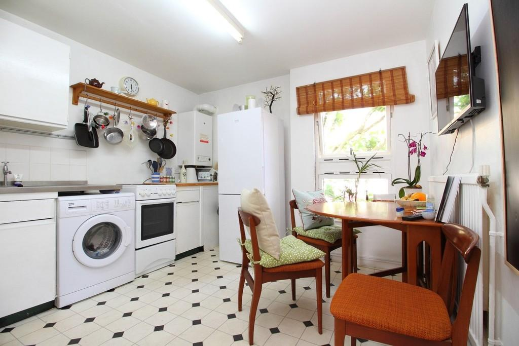 1 Bedroom Flat for sale in Blackstock Road, N5 1EA
