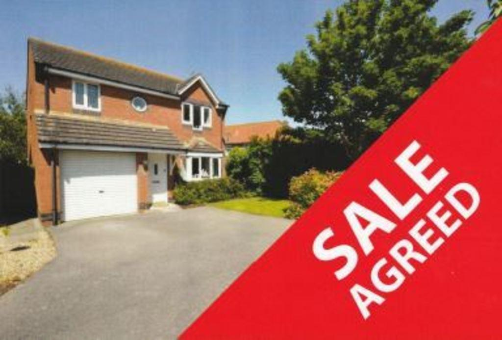 4 Bedrooms Detached House for sale in PARC Y BERLLAN, PORTHCAWL, CF36 5HX