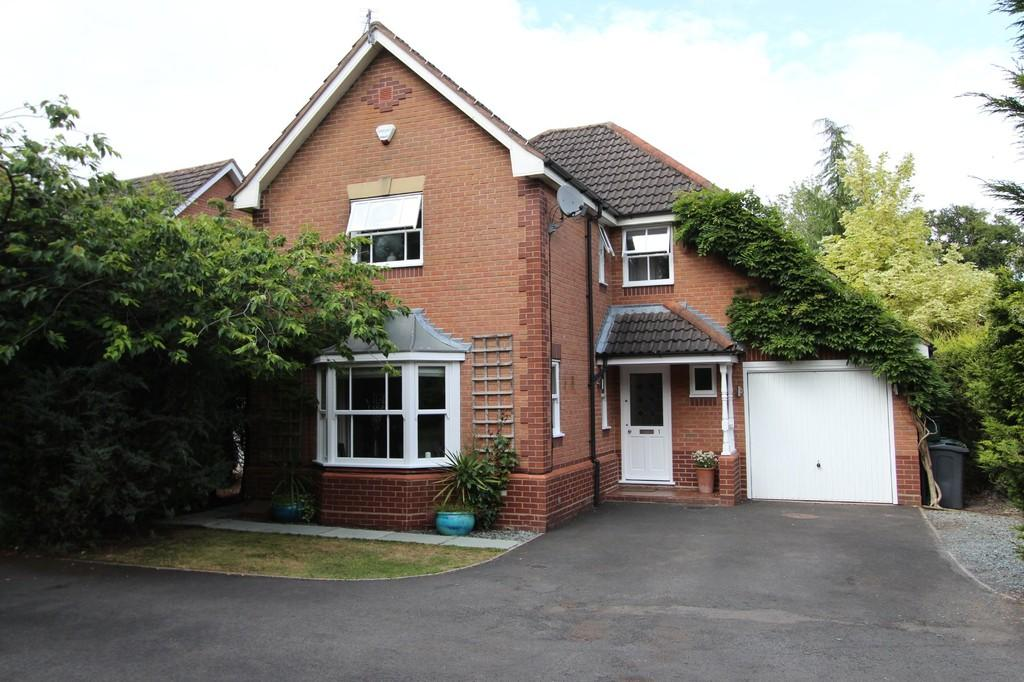 4 Bedrooms Detached House for sale in Kingsland Drive, Dorridge