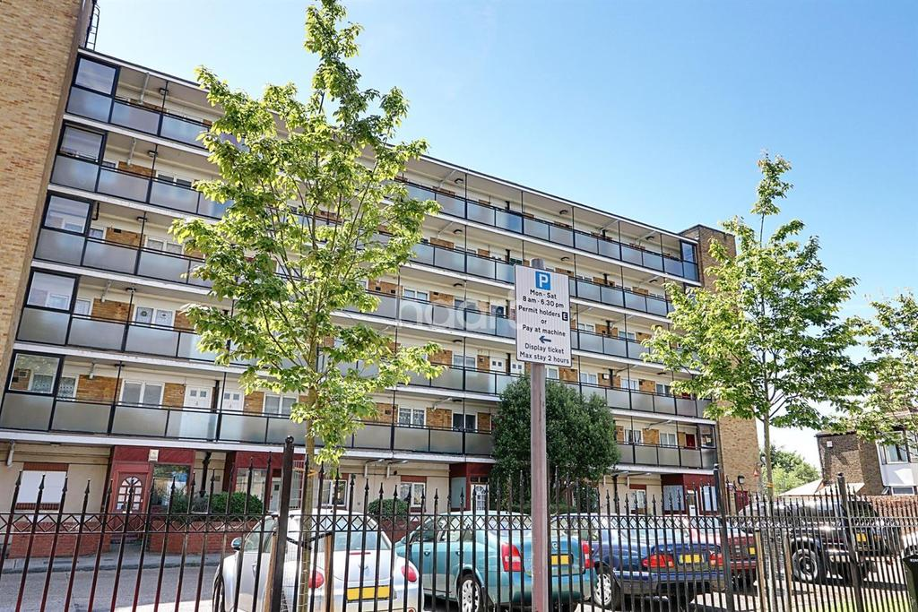 1 Bedroom Flat for sale in The Firs, Milton Avenue, East Ham
